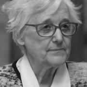 Ana Mª Schlüter